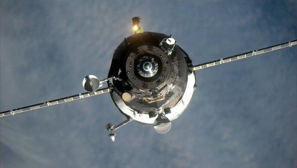 Сход ТГК Прогресс-М-27М с орбиты