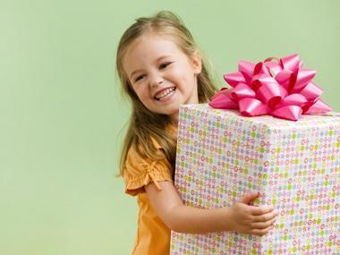 Как выбрать оригинальный подарок для ребенка