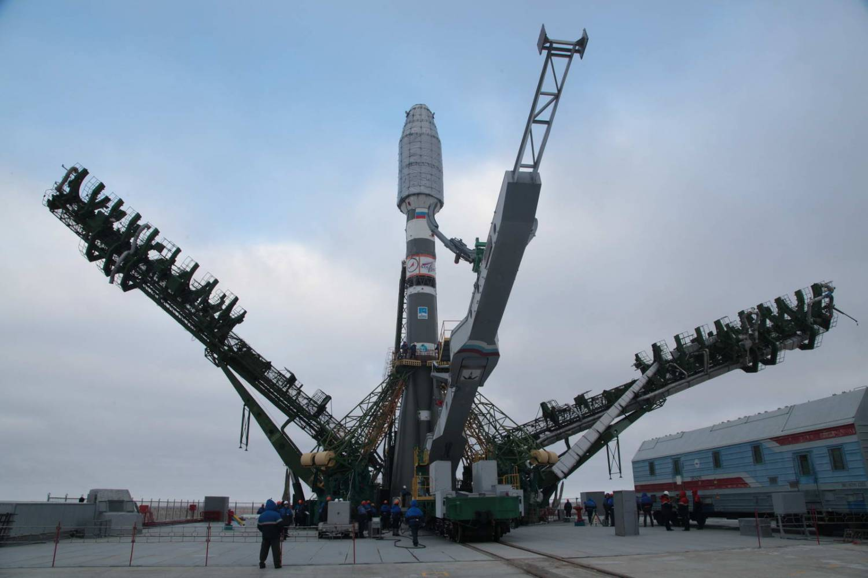 РКН Союз доставили на стартовую площадку Байконура