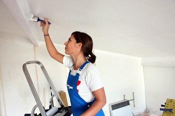 Глянцевая краска для потолка