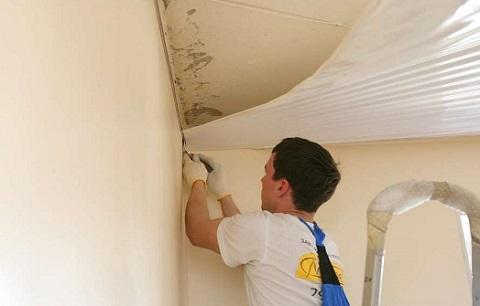 Как отремонтировать натяжной потолок