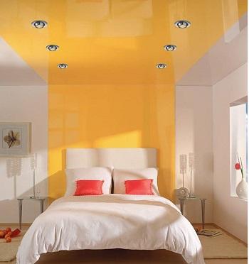Желтый натяжной потолок