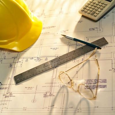 В чем помогает проведение экспертизы проектов?
